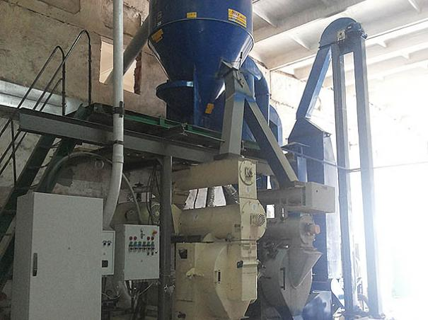 land-granulation-and-cooling-sunflower-and-soybean-meal-2